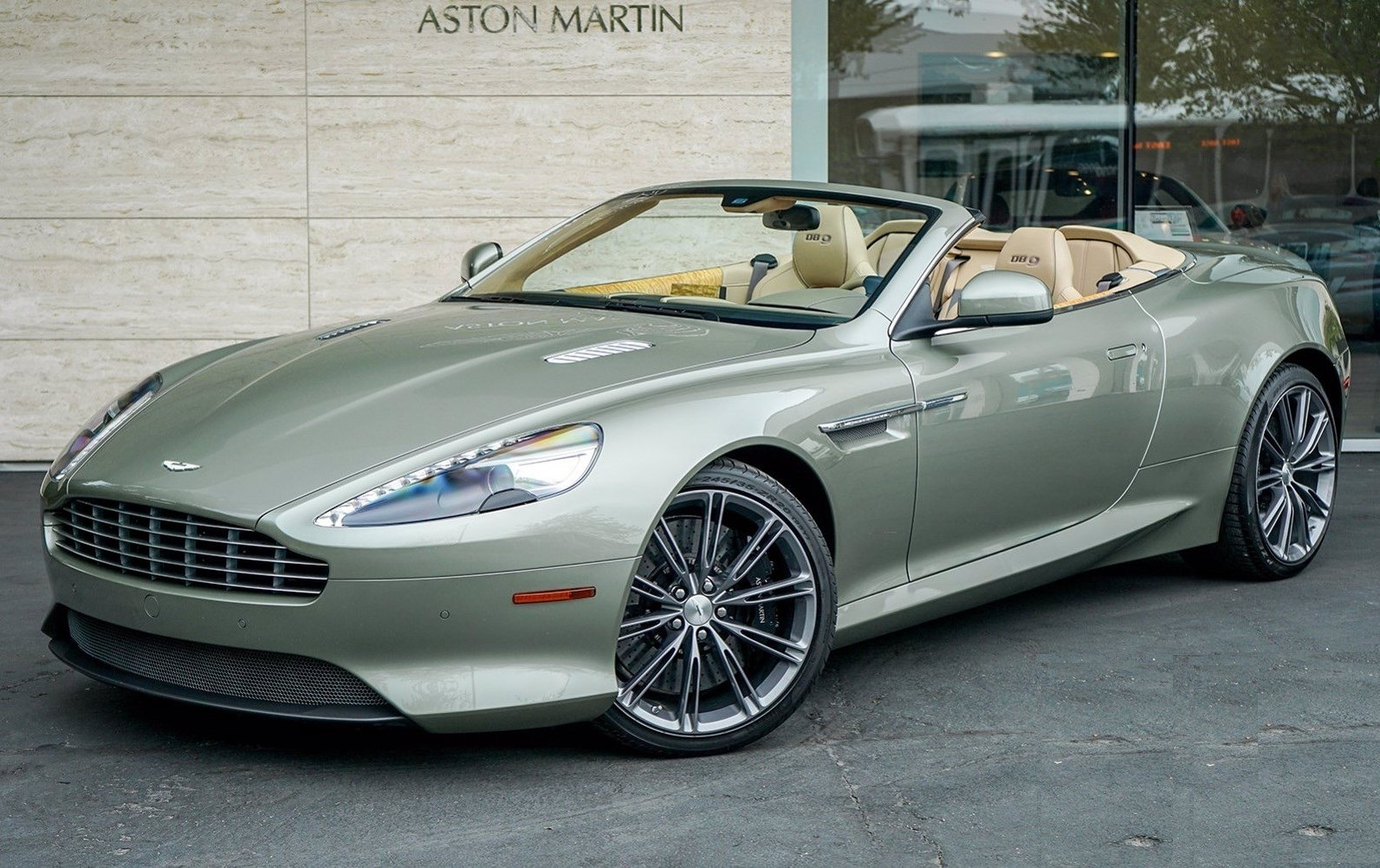 Used 2015 Aston Martin DB9 Volante for sale $119,990 at Maserati of Westport in Westport CT 06880 1