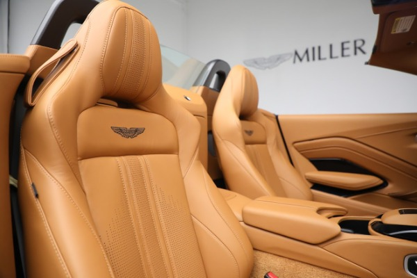 New 2021 Aston Martin Vantage Roadster for sale $174,586 at Maserati of Westport in Westport CT 06880 17