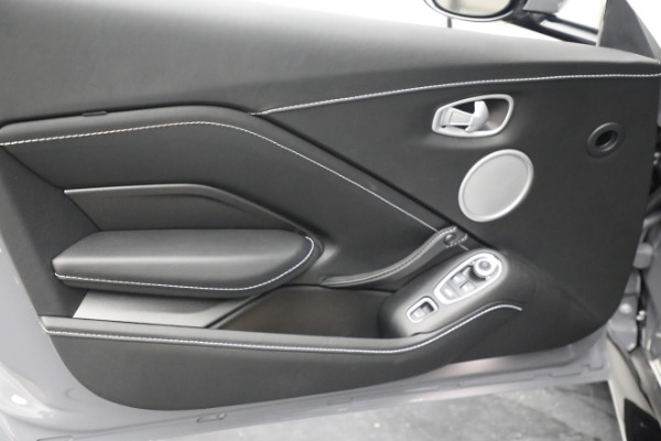 New 2021 Aston Martin Vantage Roadster for sale $180,286 at Maserati of Westport in Westport CT 06880 16