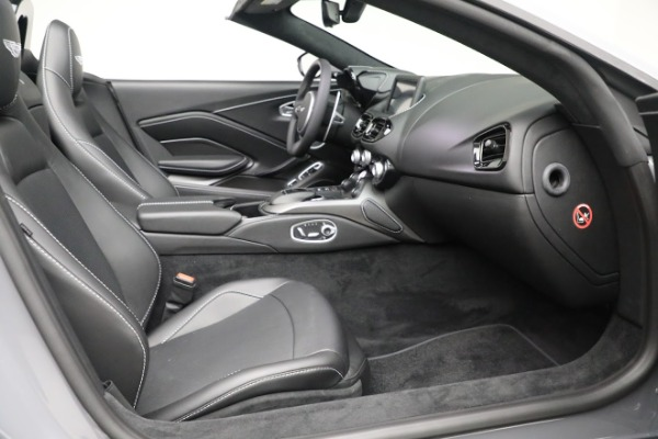 New 2021 Aston Martin Vantage Roadster for sale $180,286 at Maserati of Westport in Westport CT 06880 19