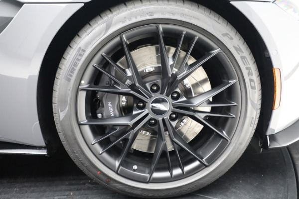 New 2021 Aston Martin Vantage Roadster for sale $180,286 at Maserati of Westport in Westport CT 06880 27