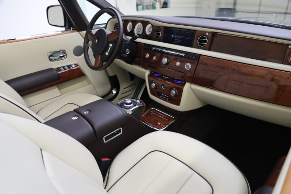 Used 2015 Rolls-Royce Phantom Drophead Coupe for sale Call for price at Maserati of Westport in Westport CT 06880 28