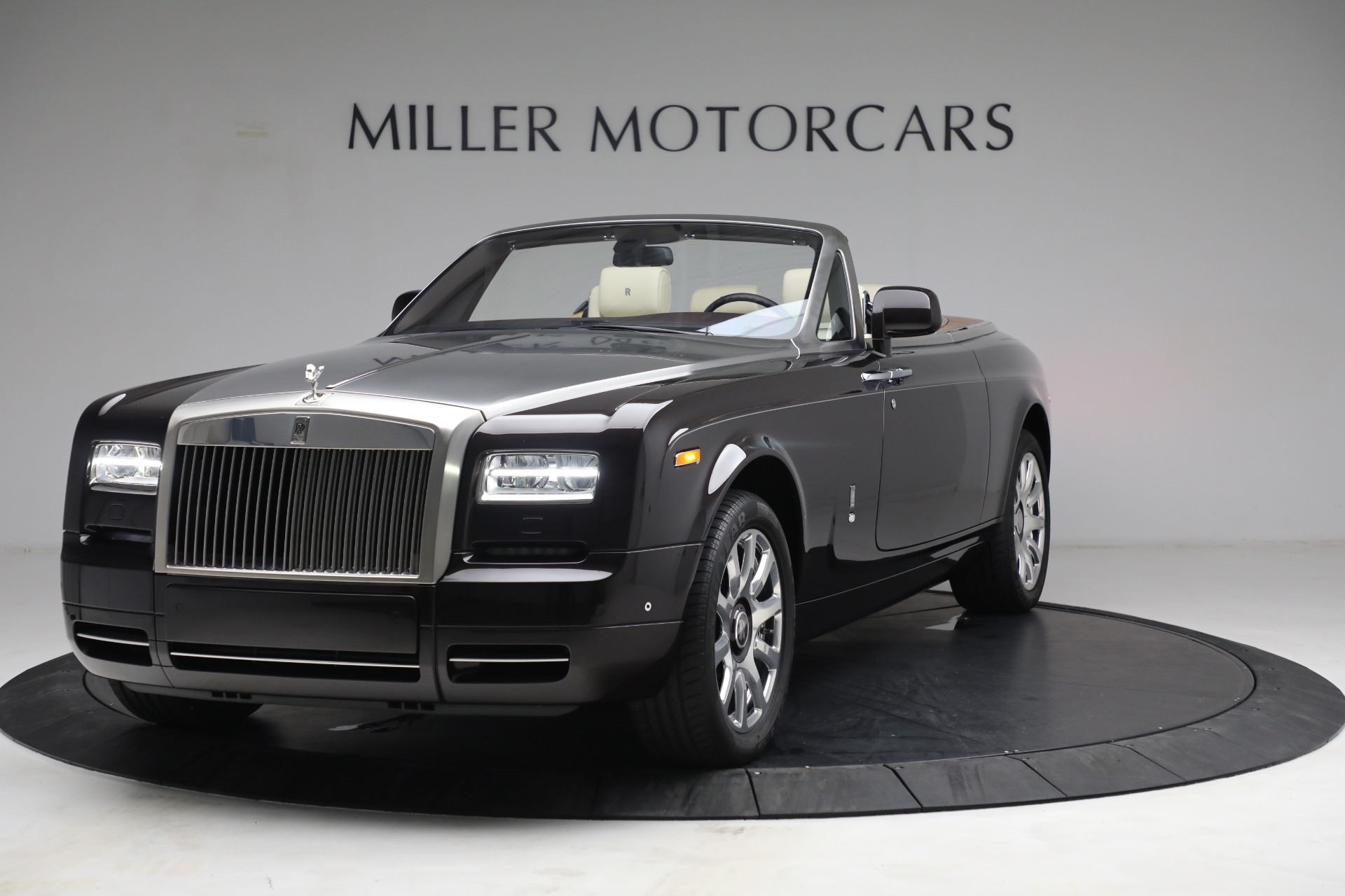 Used 2015 Rolls-Royce Phantom Drophead Coupe for sale Call for price at Maserati of Westport in Westport CT 06880 1
