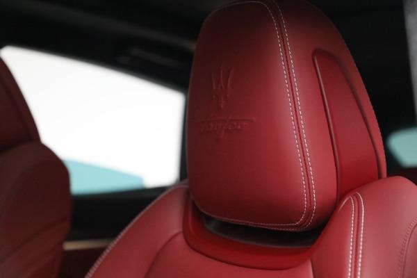 New 2022 Maserati Levante Trofeo for sale $155,045 at Maserati of Westport in Westport CT 06880 16