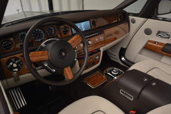 Used 2015 Rolls-Royce Phantom Drophead Coupe for sale Sold at Maserati of Westport in Westport CT 06880 28