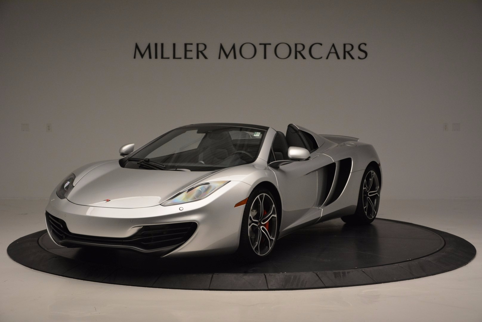Used 2014 McLaren MP4-12C Spider for sale Sold at Maserati of Westport in Westport CT 06880 1