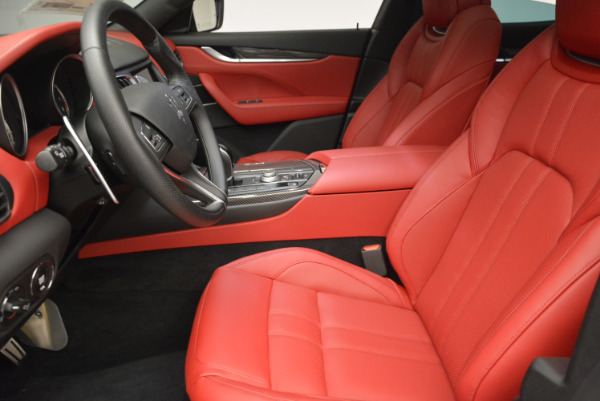 Used 2017 Maserati Levante Ex Service Loaner for sale Sold at Maserati of Westport in Westport CT 06880 14