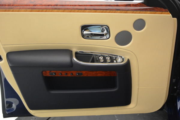Used 2016 Rolls-Royce Ghost EWB for sale Sold at Maserati of Westport in Westport CT 06880 17