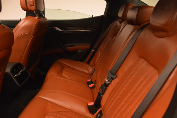 Used 2014 Maserati Ghibli S Q4 for sale Sold at Maserati of Westport in Westport CT 06880 18