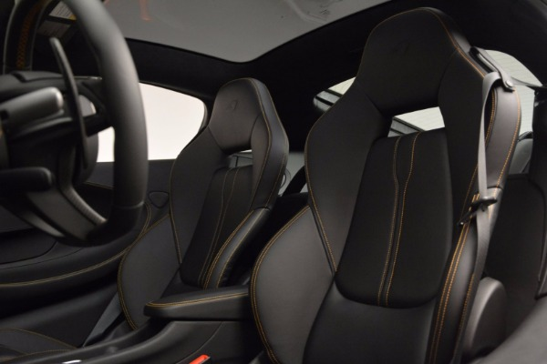 Used 2017 McLaren 570GT Coupe for sale $145,900 at Maserati of Westport in Westport CT 06880 16