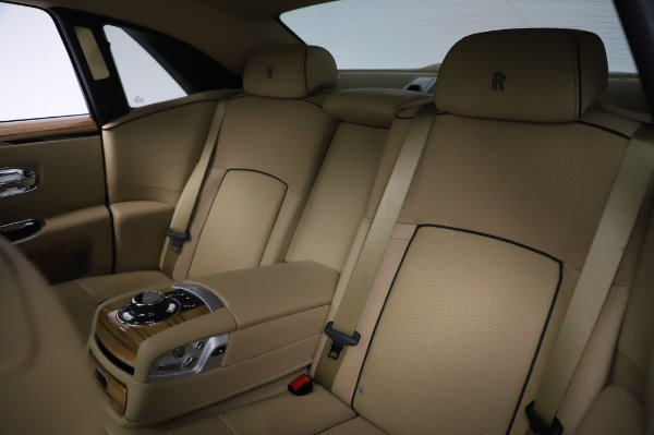 Used 2014 Rolls-Royce Ghost V-Spec for sale Sold at Maserati of Westport in Westport CT 06880 14